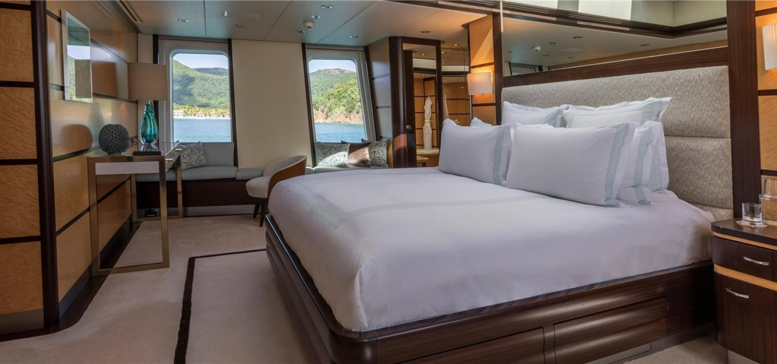 5 Rooms, Motor Yacht, For Charter, 11 Bathrooms, Listing ID 1083