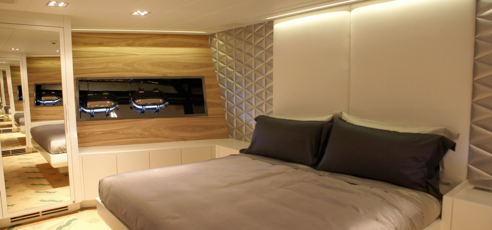 4 Rooms, Motor Yacht, For Charter, 6 Bathrooms, Listing ID 1047